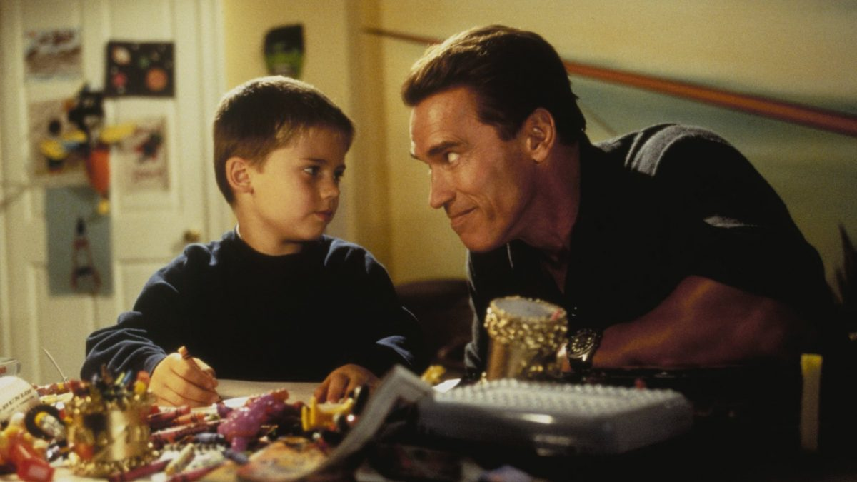 """""""Where's your Christmas spirit?"""" – Finding the Heart of 'Jingle All The Way'"""