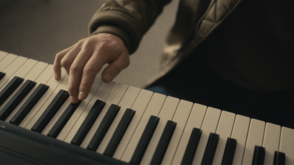 REVIEW: Notes (2021)
